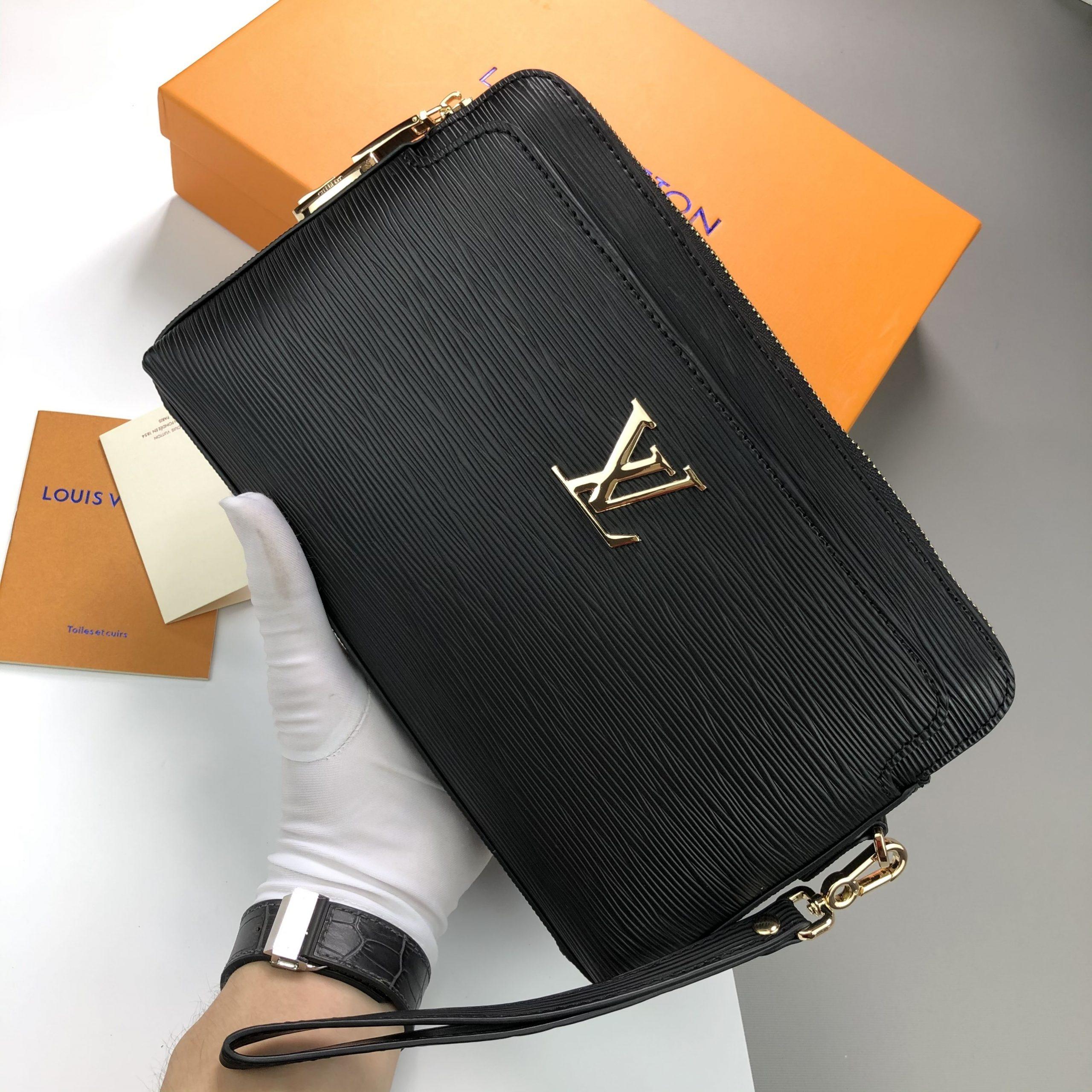 Louis Vuitton New Clutch EPI